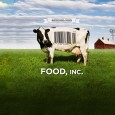 Food, Inc. dcortique les rouages dune industrie qui altre chaque jour notre environnement et notre sant. Des immenses champs de mas aux rayons colors des supermarchs, en passant par des abattoirs insalubres, un journaliste mne lenqute pour savoir comment est fabriqu ce que nous mettons dans nos assiettes. Derrire les tiquettes pastorales de &quot;produits fermiers&quot;, il dcouvre avec beaucoup de difficult le tableau bien peu bucolique que les lobbys agro-alimentaires tentent de cacher : conditions dlevage et dabattage du btail dsastreuses, collusion entre les industriels et les institutions de rgulation, absence de scrupules environnementaux, scandales sanitaires... leveurs dsesprs, experts indpendants, entrepreneurs intgres et dfenseurs du droit des consommateurs esquissent,chacun  leur manire,le portrait dune industrie qui sacrifie la qualit des produits et la sant de ses clients sur lautel du rendement.