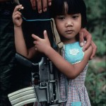 Galerie de photographies d&rsquo;enfants soldats, partout autour du monde