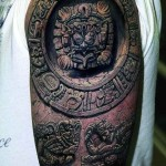 Tatouage maya relief